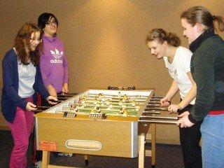 Nicht nur Besinnung, auch Spaß und Spiel in der Freizeit gehören zum Tagesprogramm in der Oase Meschede. (Foto: WBG/Schmidt)