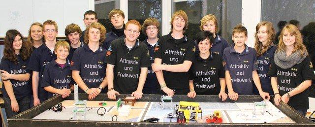 """Bestens vorbereitet für die neue Wettbewerbs-Runde: Das Roboterteam von """"attraktivundpreiswert"""" (Foto/WBG/Roboterteam)"""