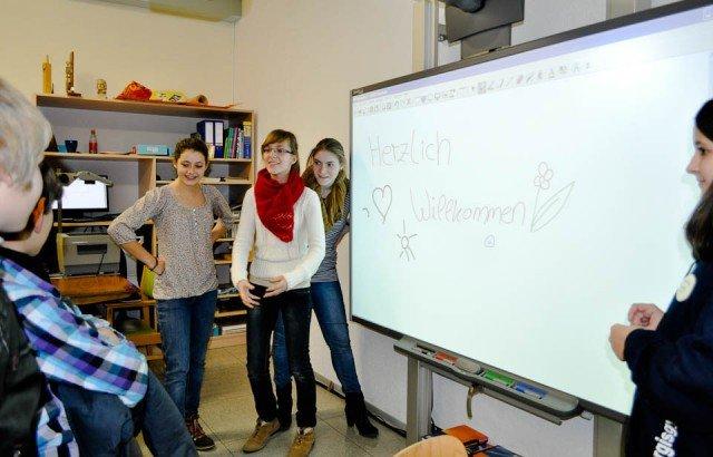 Tag der offenen Tür: Grundschüler lernen die Walburgisschule kennen, Gelegenheit auch zur Information über den Realschulzweig, (Foto: Sr. Johanna Hentrich)