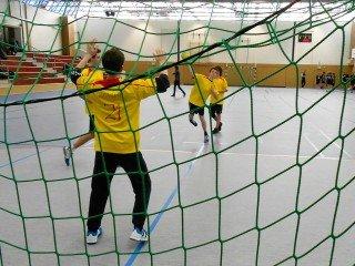 Sich warm werfen fürs Finale: Die Handballer des WBG vor dem entscheidenden Spiel in der Qualifikationsrunde in Herdecke (Foto: WBG/Todt)