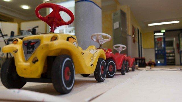 Mathematische Versuchsanordnung: Wie kommt das Bobby-Car in die Parklücke? (Foto: SMMP/Beer)