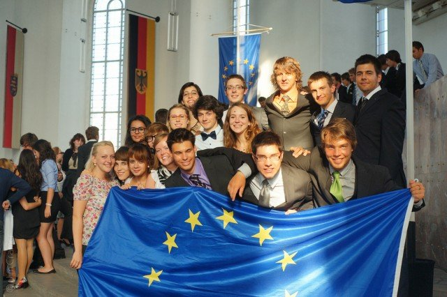Bald in Menden und am WBG: Europäisches Jugendparlament, hier Teilnehmer/innen der 64th International Session Frankfurt 2010 (Foto: EYP/Jim Cramer)