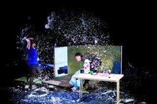 Die Klasse 8a setzte sich beim Theaterbesuch in Iserlohn mit dem Nationalsozialismus und seinen Verbrechen auseinander. (Foto: http://www.parktheater-iserlohn.de)