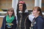 Jack Sparrow mit Fans (Foto: SMMP/Hentrich)