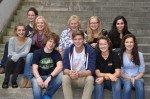 Frau Diris und ihr Team aus den Stufen 11 und 12. (Foto: SMMP/Hentrich)