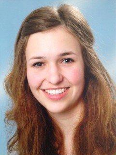 Jana Schulte, Abiturientin des Walburgisgymnasiums, wird am 17.09.2012 in Düsseldorf als eine der besten Absolventen des Landes NRW geehrt. (Foto: Privat).