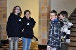 Guides des WBG (1. u.2. v.l.) führen Grundschüler. (Foto: SMMP/Hentrich)