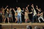 """Flower Power auf der Bühne mit """"Hair"""". (Foto: SMMP/Sr. Johanna Hentrich)"""