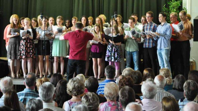 Musicalmelodien begeistern das Publikum beim Sommerkonzert am 15. Juli 2013. (Foto: SMMP/Sr. Johanna Hentrich)