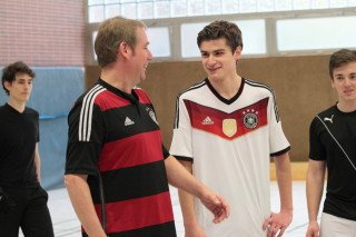 Freundschaftliches Beschnuppern vor dem Match (Foto: C. Scholz/SMMP)