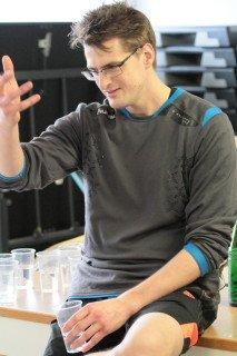 Herr Lambert analysiert das vorangegangene Spiel. (Foto: C. Scholz/SMMP)