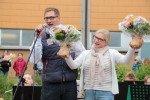 Frau Kampe nimmt stellvertretend auch die Ehrung für Frau Weische entgegen. (Foto: C. Scholz/SMMP)