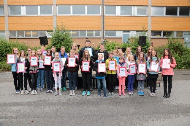 Gruppenfoto der Geehrten (Foto: C. Scholz/SMMP)