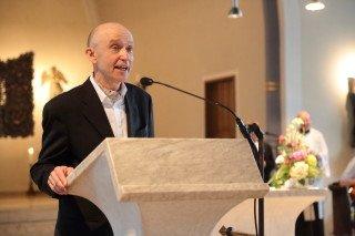 Herr Dr. Maler wünscht der Schulgemeinde einen guten Start ins neue Schuljahr. (Foto: C. Scholz/SMMP)