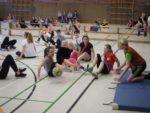 Beim Sitzfußball weiß man meistens nicht, wohin mit seinen Beinen. (Foto: C. Scholz/SMMP)