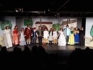 """2017: Aufführung des Märchens """"Aschenputtel"""" mit WBG-Beteiligung. (Foto: MAT)"""