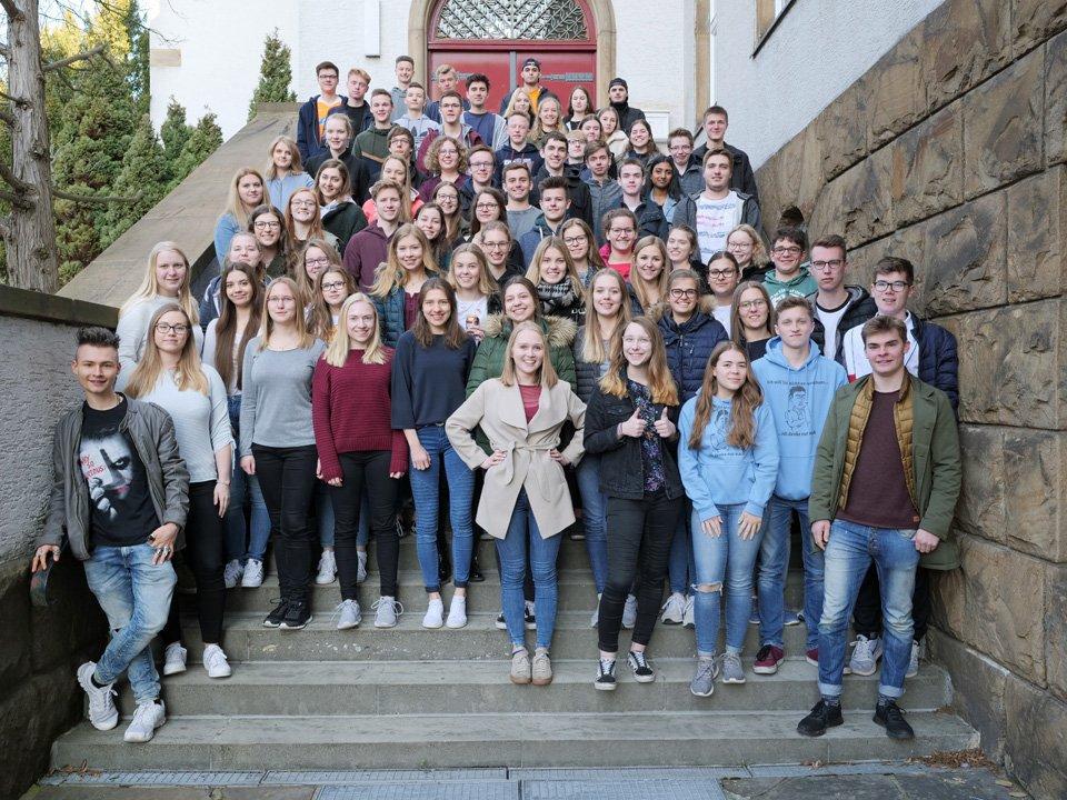Mit viel Zuversicht in die Abiturprüfungen: Unser Jahrgang Q2 in seiner letzten Schulwoche (Foto: C. Scholz/SMMP)
